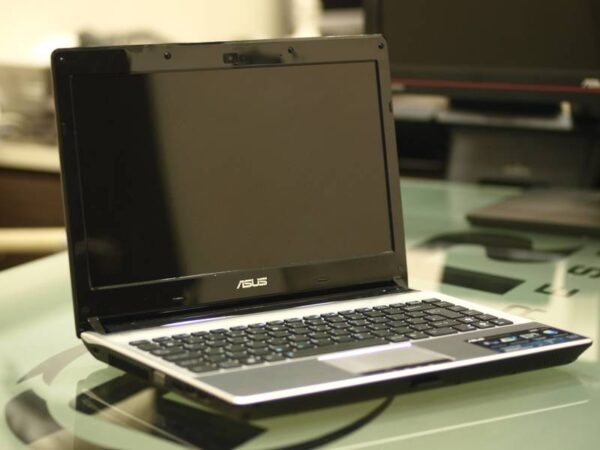 "Laptop SH - AsusU36S i5-2450M 4gb SSD 240gb Nvidia 610M-1gb 13"""